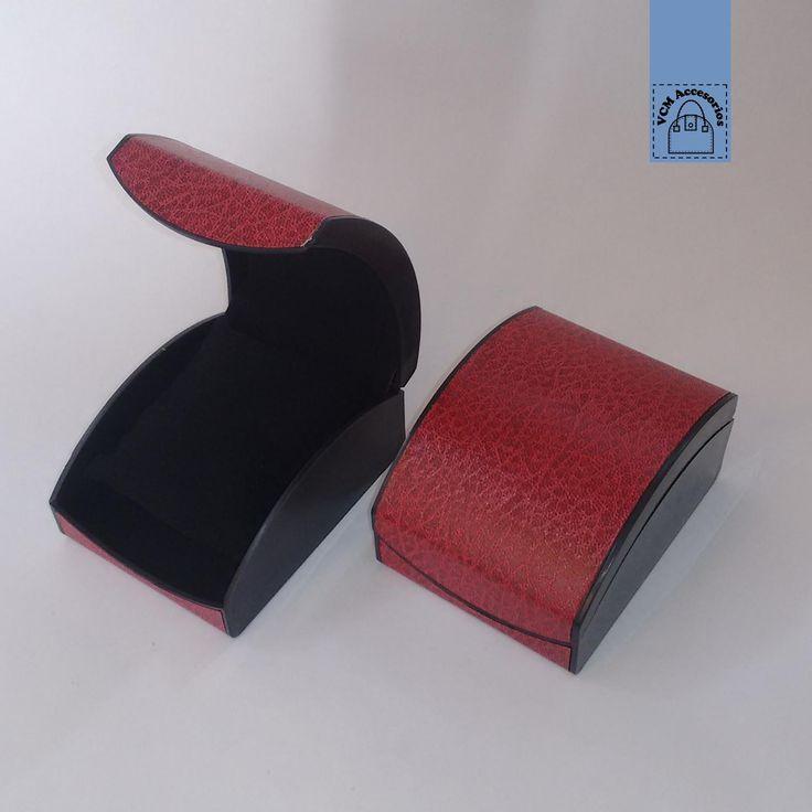 Caja para reloj color rojo