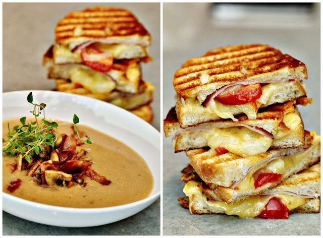 Två små kök: Champinjonsoppa med stekta ost-, tomat och skinkmackor typ melted cheese...