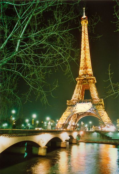 NEVER SAW THIS BRIDGE-TO-EIFEL-TOWER ANGLE BEFORE. SO BRIGHT AND MAGNIFICENT.--SLA