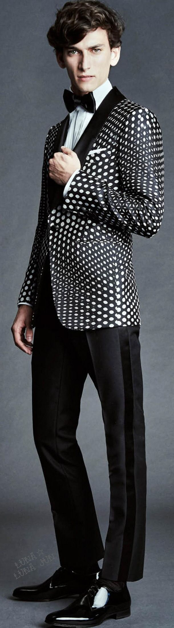 seeing hives // Tom Ford SS 2015  #menswear #simplydapper #stylish