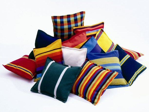 Google Image Result for http://outdoorfloorcushions.org/wp-content/uploads/2011/cushions/cushions.jpg