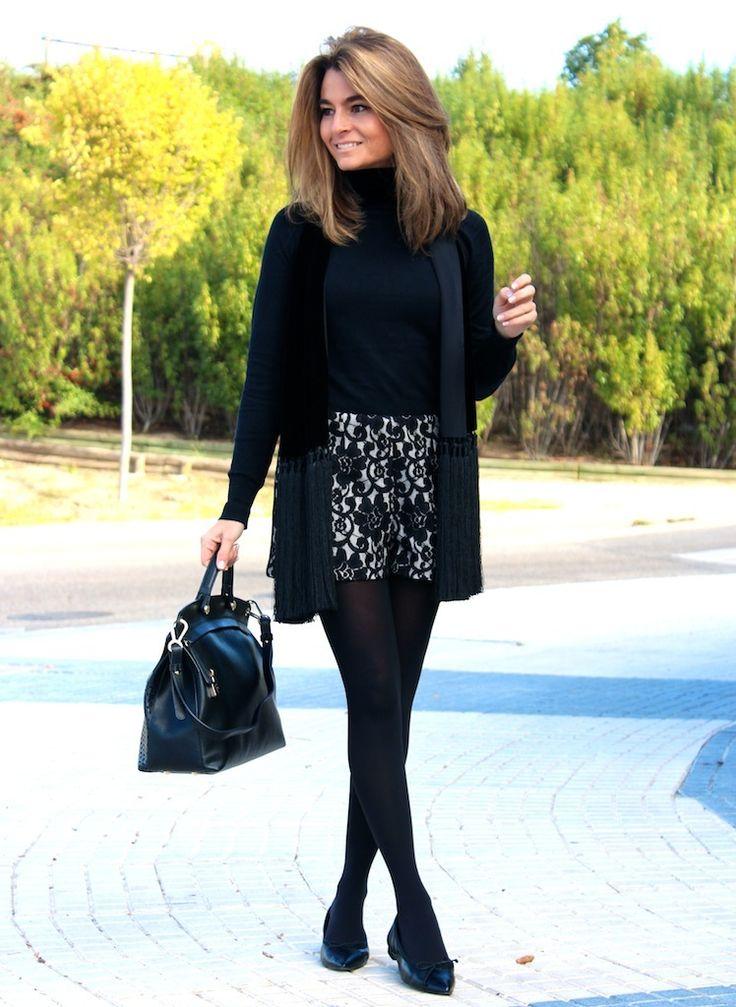 Vamos a por el lunes con unas BAILARINAS (ref. 7007 en REBAJAS 35€) #PilarBurgos que le encantan a SILVIA. Podéis ver más fotos en su blog http://www.ohmylooks.com/2014/01/black-white-blanco-y-negro/