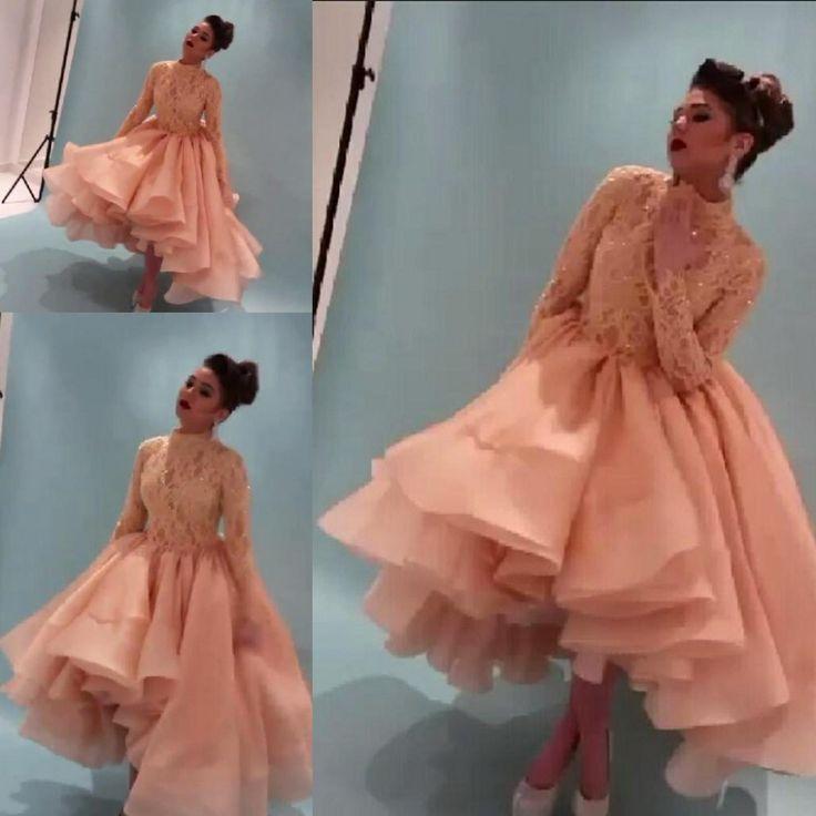 Pas cher Livraison gratuite nouvelle arrivée 2015 superbe Orange robe de célébrité Myriam Fares col haut à manches longues en dentelle robe de soirée robe WL289, Acheter  Robes de soirée de qualité directement des fournisseurs de Chine:      Livraison gratuite nouvelle arrivée 2015 superbe orange robe de célébrité Myriam Fares Col haut à manches longues