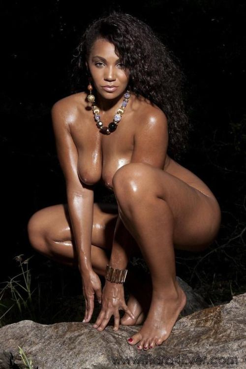 Beautiful black woman nude