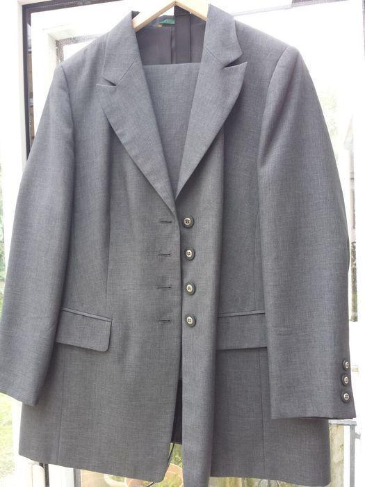 ber ideen zu grauer blazer auf pinterest blazer grau blazer und b bchenkragen. Black Bedroom Furniture Sets. Home Design Ideas