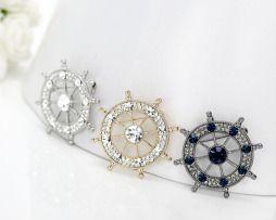 Krásne a luxusné brošne na saká pre pánov. Dajte svojmu mužovi luxusný darček k jeho obleku, ktorým sa bude pýšiť v robote. http://www.luxusne-doplnky.eu/