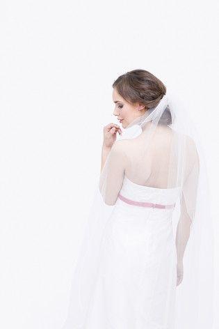 noni noni Lieblinge | noni Lieblinge - romantisches schulterfreies Brautkleid in A-Linie (www.noni-mode.de - Foto: Le Hai Linh)