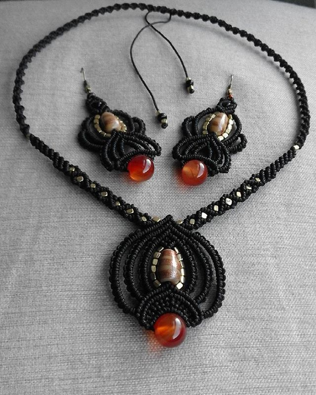 #macrame #micromacrame #hechoamano #handmade #diy #artesania #crafts #pendientes #earrings #collar #neclace