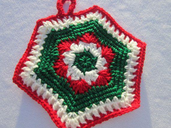 How to crochet a christmas potholder gift