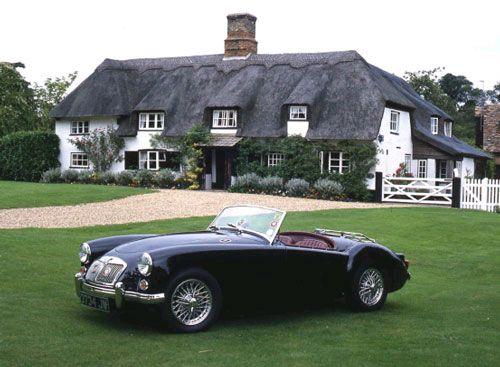 Petite maison de campagne parfaite et un petite voiture très sympa!