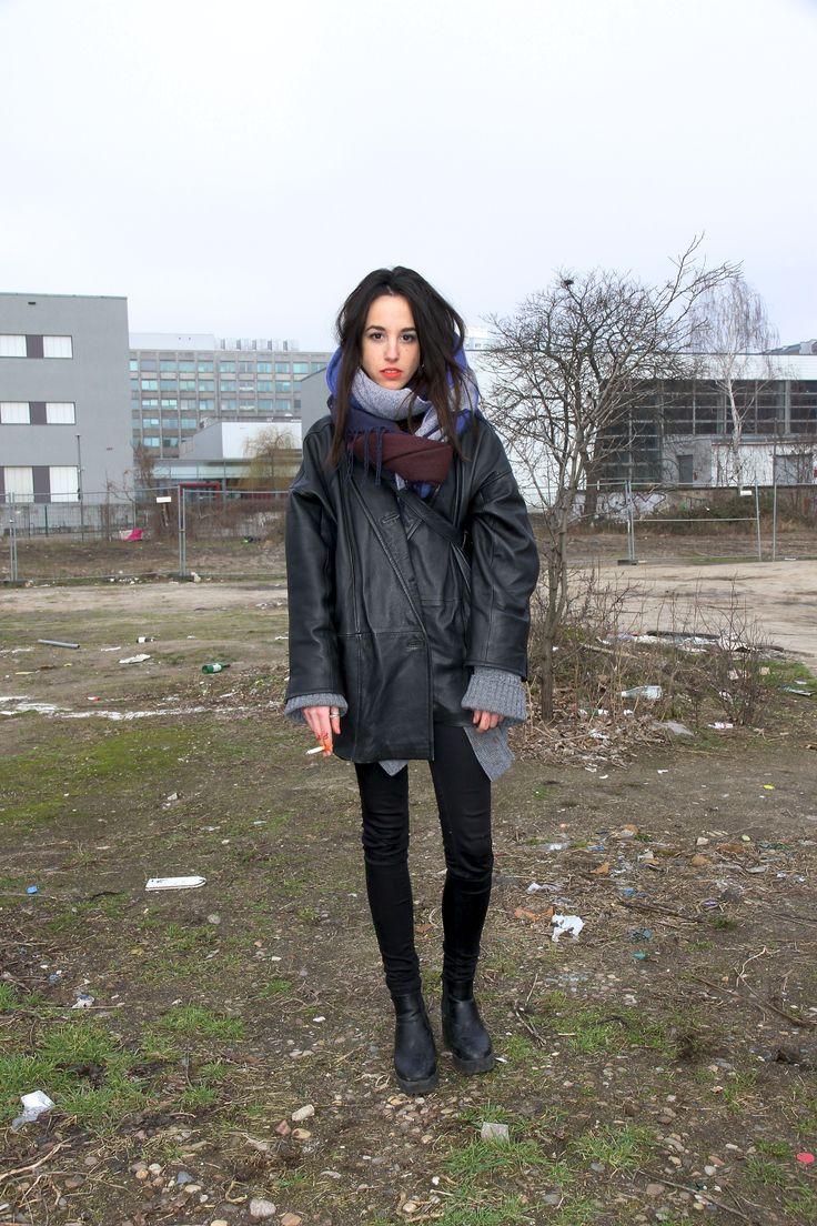 Berghain+Dress+Code:+Mit+diesen+Looks+kommt+man+in+den+angesagten+Club+#refinery29+http://www.refinery29.de/berghain-street-style#slide-23