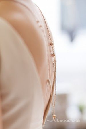 collier-dos-mariage-or-rose-sautoir-mariee-paulette-paris