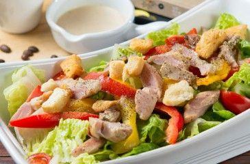 Салат с копченым окорочком - пошаговые рецепты с фото. Как приготовить салат из копченых куриных окорочков