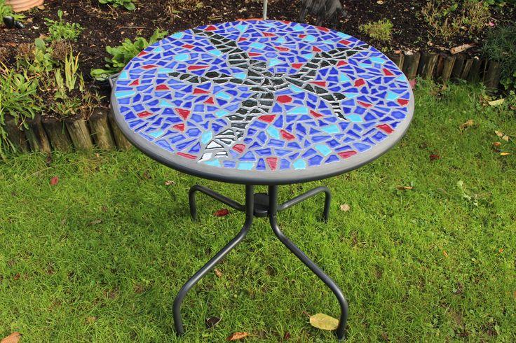 Wir machen auch sehr gerne Sonderanfertigungen, wie beispielsweise diesen Tisch.