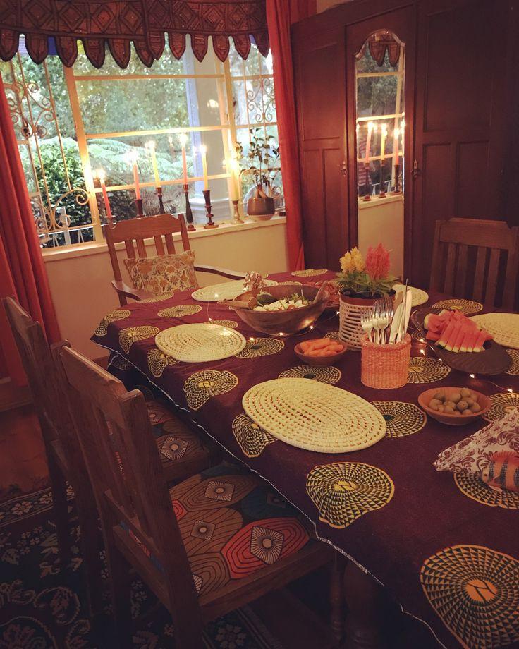 Summer Dinners - Boho-style #bohointeriors #gypseydecor #bohoglam #boho #bohemianstyle  #bohostyle #beautifullyboho #ihavethisthingwithcolour #ihavethisthingwithtextiles #gypseyset #makeityours #inmydomain #bohochic #electichome #eclecticdecor #maximalism #myhomevibe #planteriordesign #myhyggehome