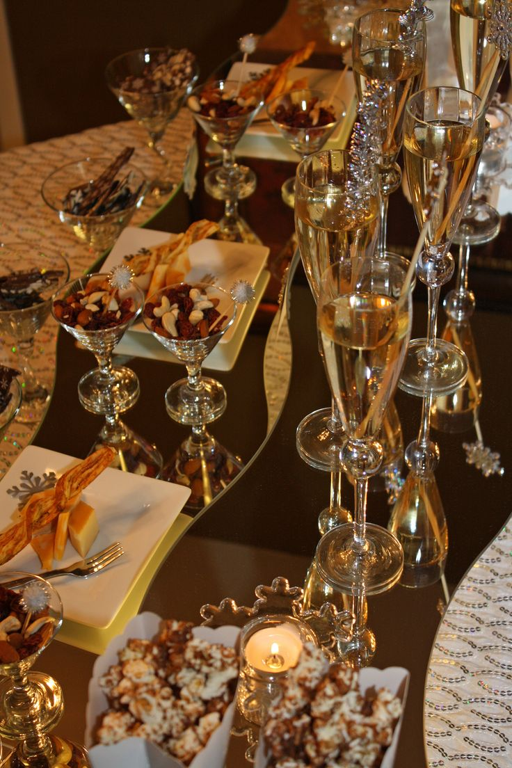 195 best images about Buffet Table Decor on Pinterest