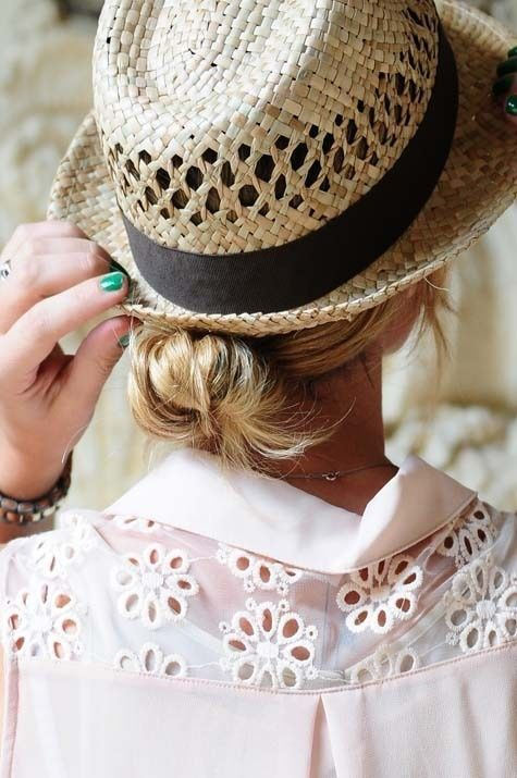 a casual hat, a twisted bun, and a pop of eyelet {vacation style}