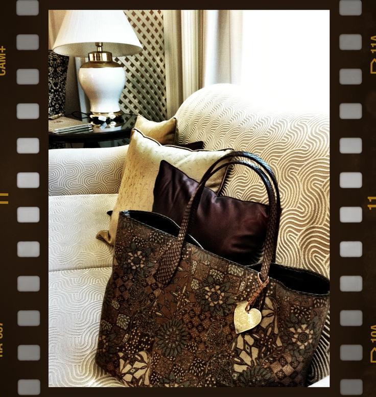 HAPPY Bag: Batik Tulis Pewarna Alam ( hand written Batiks with natural dye colourings)