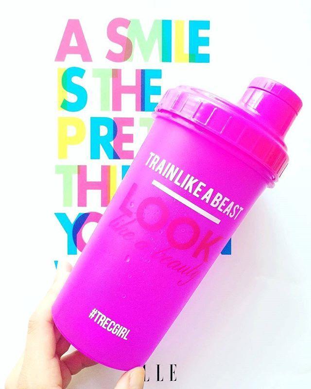 Train like a beat, look like a beuty :) (and smile!) #shaker #shake #trening #trecgirl #training #workout #fitness #fit #inspiration #motivation #motywacja #smile #happy #behappy #instafit #weightloss #fatloss #odchudzanie #gymmotivation #fitnessmotivation #summer #lato #wakacje #uśmiech #gymwear @i_am_karolina @trecnutrition