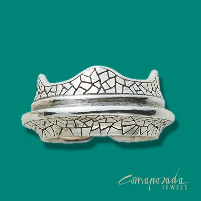 Ring in silver inspired by the bench in Park Guell.