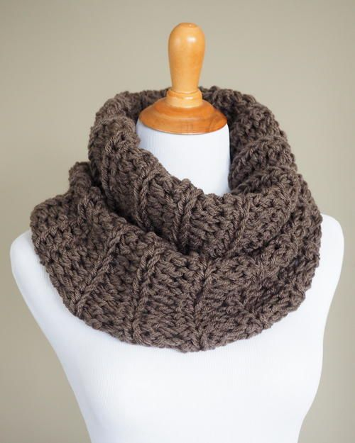 """""""Claire's Outlander Cowl - Free Crochet Pattern. Inspired by the knitwear on the Outlander TV series, this Sassenach Cowl is quick and easy to make, even for beginners."""""""