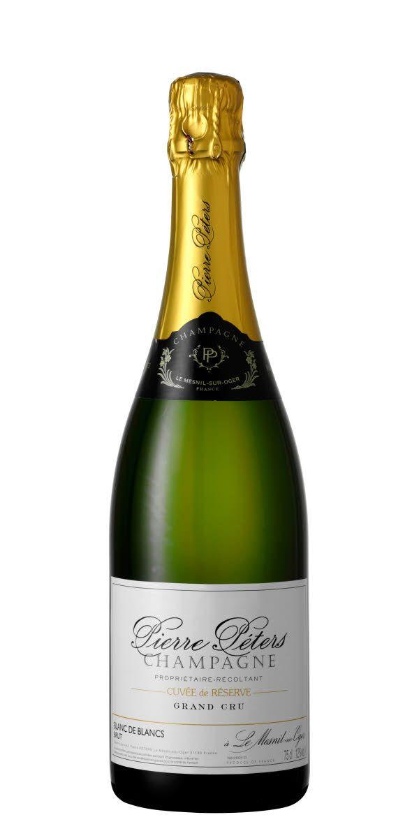 En fantastisk champagne från en väldigt bra producent Piere Peters. Fruktig och blommig doft men inslag av brödighet, nougat, citrus och mineralitet. Prova gärna någon av deras årgångschampagner!