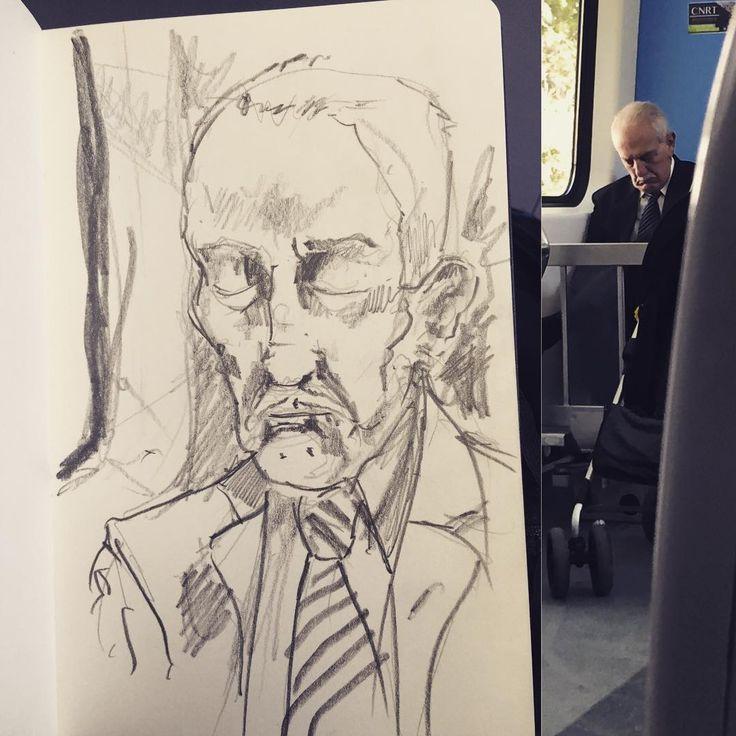 #gentequesedibujaeneltren #sketchbook #bocetorapido #boceto #dibujar #drawing #moleskine