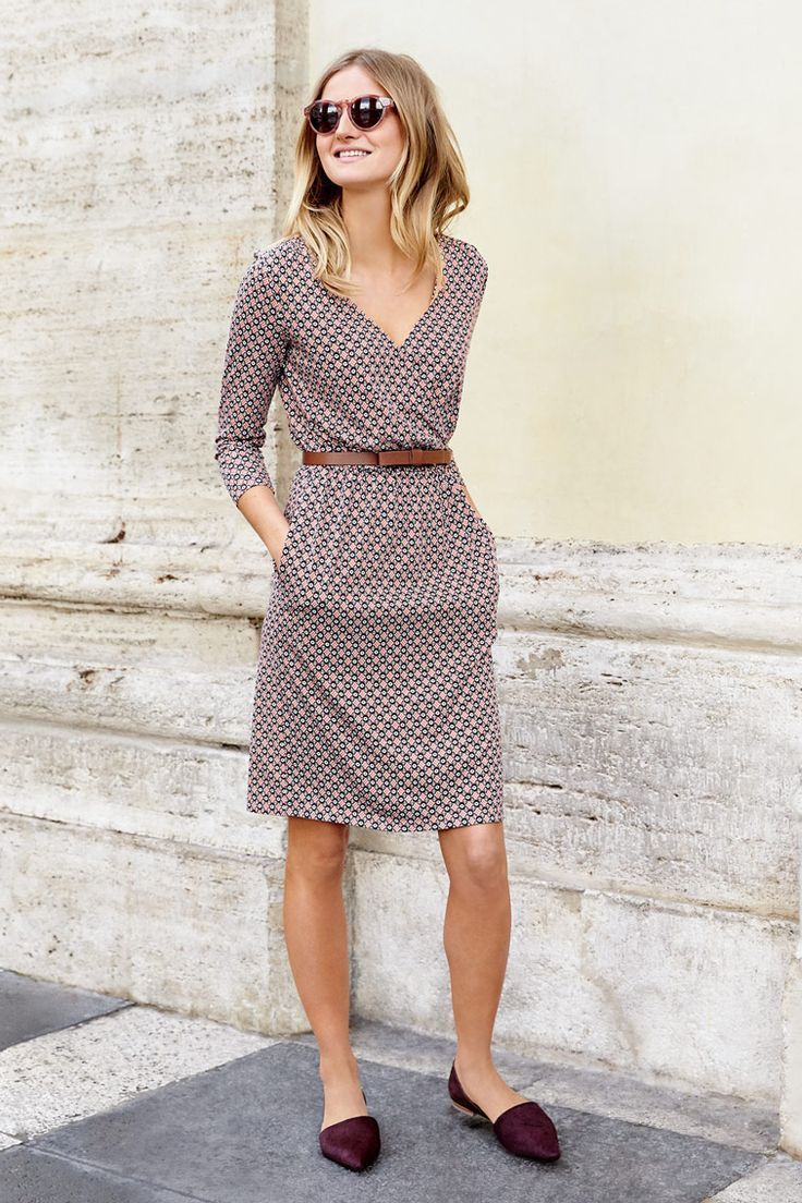Smart casual dress code for ladies - Light Burgundy Printed Work Dress With Pockets For The Woman On The Go