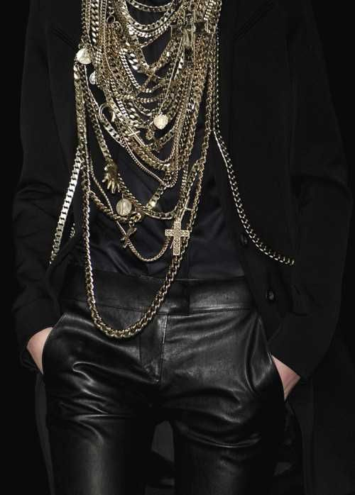 Gold Chains & Leather: Style, Givenchy, Chains, Black Gold, Jewelry, Necklaces, Leather Pants, Leather Accessories, Spiders Web