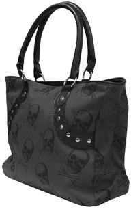 Skull purse <3 <3  I must finally give in to the big bags if I wanna be organized