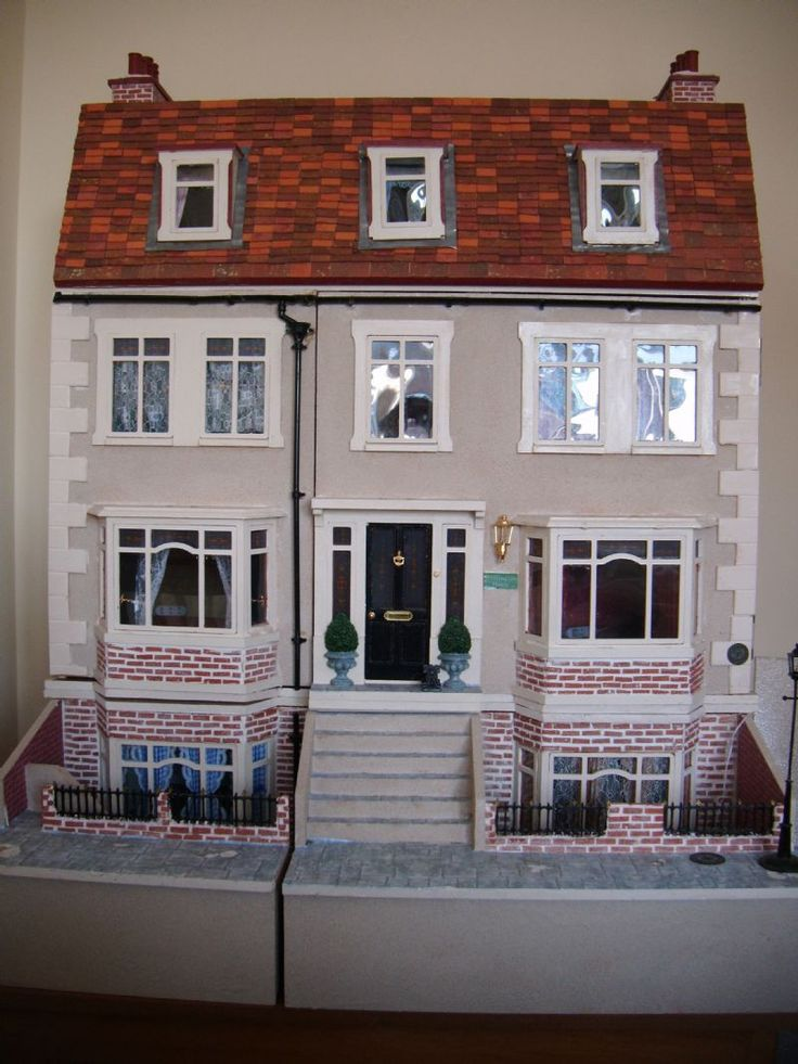 For Sale - Late Viictorian/Edwardian Decorated and Fully Furnished Dolls house For Sale - The Dolls House Exchange