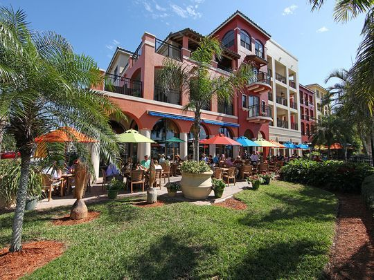 The Esplanade - eat, shop, and dine on the waterfront in Marco Island, Florida