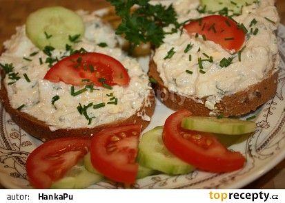Tresčí játra v bylinkách(pom.sýr,vejce,dijonská hořčice,cibulka,bylinky)