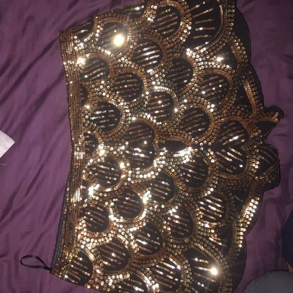 Nasty gal gold shorts, Gold sequin shorts, size M, fit a size 6, only worn once, very minor pulling on sequins at top , sold as is Nasty Gal Shorts