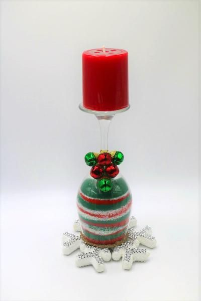 Create a colored sand Christmas candle holder with colored sand and a wine glass!  Such a fun Christmas craft for any age!  #ChristmasCraft #ChristmasDecor