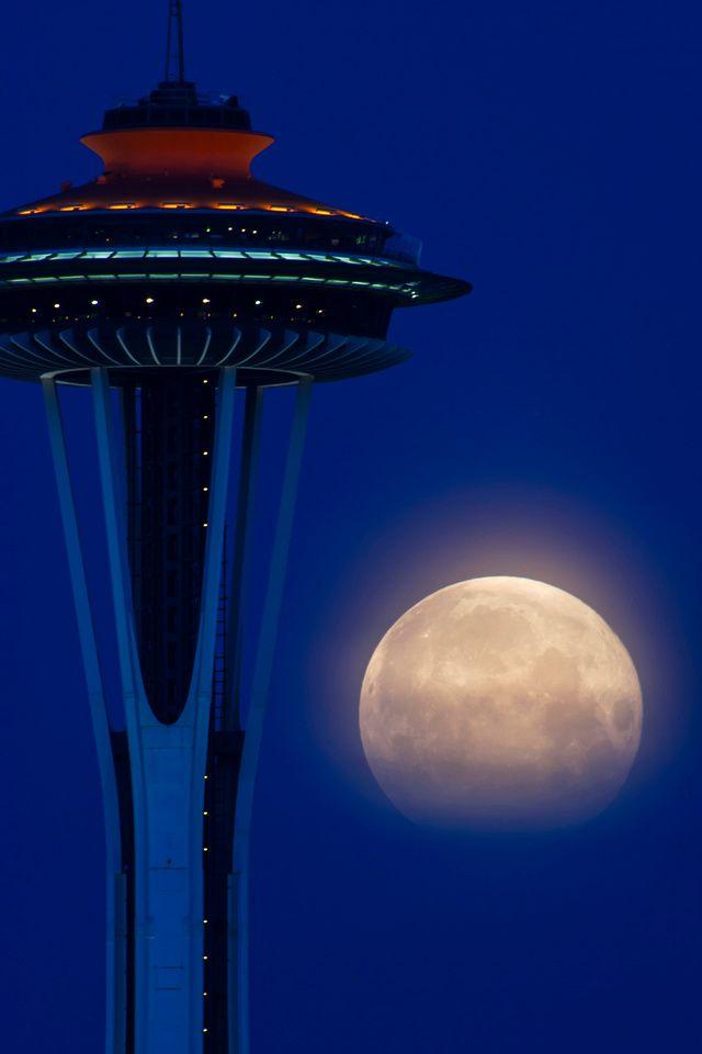 Luna şi Acul Spaţial 45 - Seattle, statul Washington, SUA