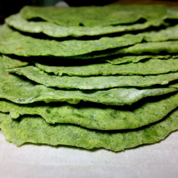 How to make your own spinach tortillas (no crisco or gross ingredients used)