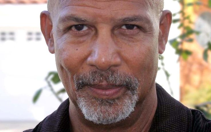 Michael Warren (March 5, 1946) American actor, o.a. known from the series 'Hill Street Blues'.