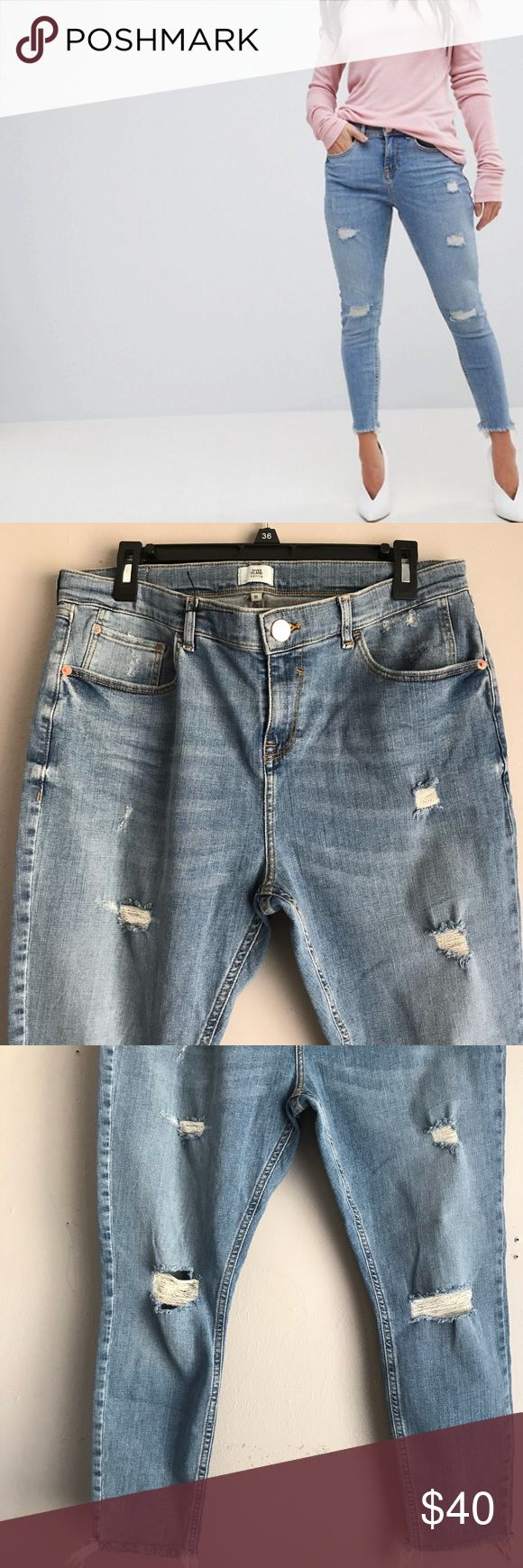 """River island petite distressed skinny jeans These say size 16 in UK size. These are US size 12.  Only worn once. Like new condition.  24"""" inseam and 16"""" across.  PRICE FIRM River Island Jeans Ankle & Cropped"""
