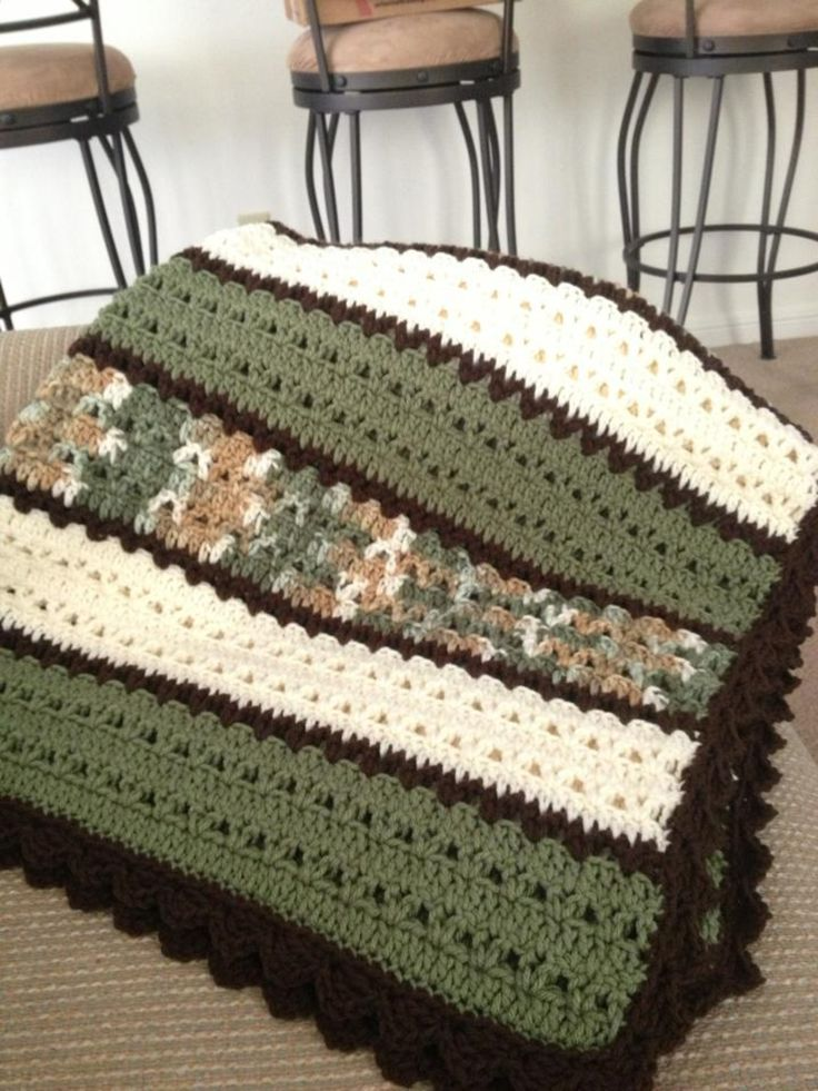 Green, white and brown blanket in double crochet and v stich.