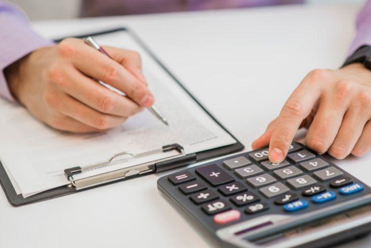 Les artisans, commerçants et dirigeants non salariés affiliés au RSI cotisent pour la retraite de base et la retraite complémentaire. Les règles de calcul de la retraite de base sont identiques à celles applicables aux salariés. Quant au régime complémentaire