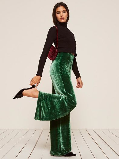 RICH. This is a full length pant with a wide leg and a center back zipper.