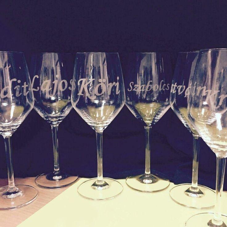 Gravírozott poharak esküvőre