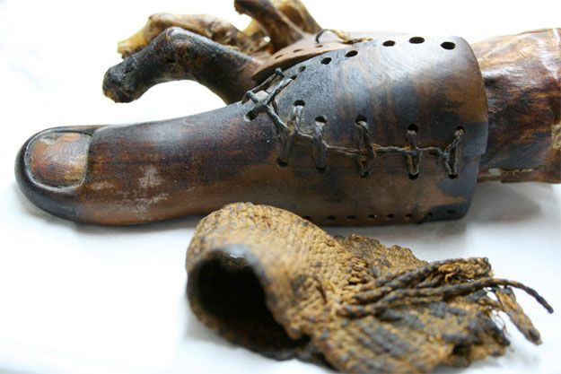 Functional prosthetic big toe, 600 BC | 21 Antique Limbs For The Early Amputee