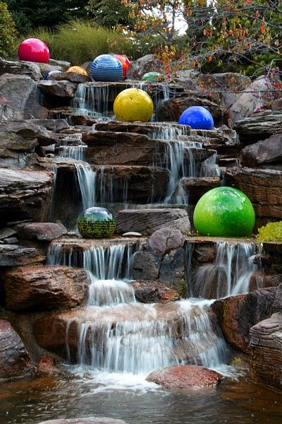 Glass Artwork at Frederick Meijer Gardens, Grand Rapids, Michigan...been here once, RIP nate, I miss you buddy