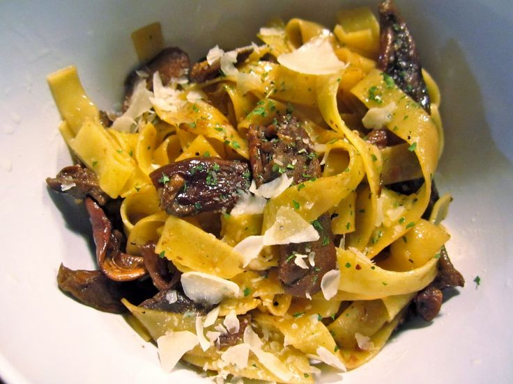 Pasta with White Wine and Porcini Mushroom Sauce