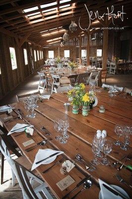 Vintage wedding. Wedding Barn. Rustic Country wedding. Table settings.