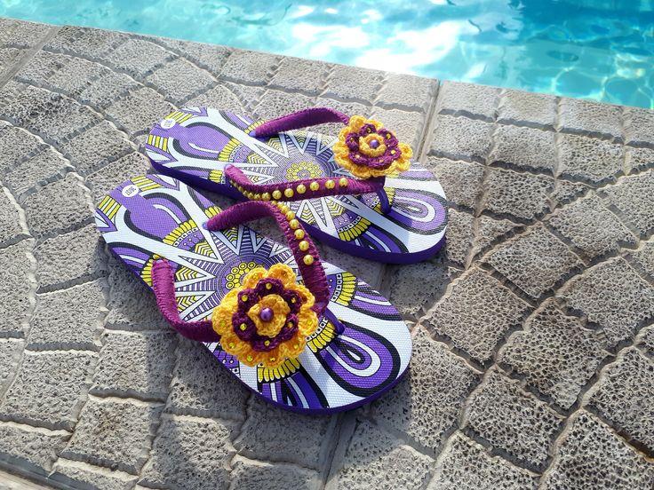 Літні шльопанці ′Морська пригода′ , пляжні шльпанці. Пляжные шлепки. Обувь для бассейна. Flip flops. Виготовлені в єдиному екземплярі. Розмір 36-37 – 24,5см  Шльопанці можна використувавати при відвідуванні басейну, пляжу, відпочинку на морі чи просто носити дома.
