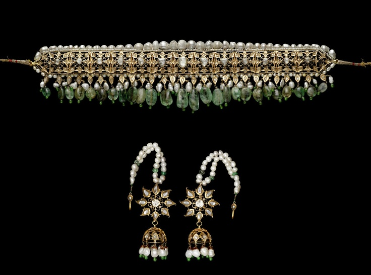 A diamond, pearl and emerald choker Necklace guluband and Earrings South India, second half 20th Century