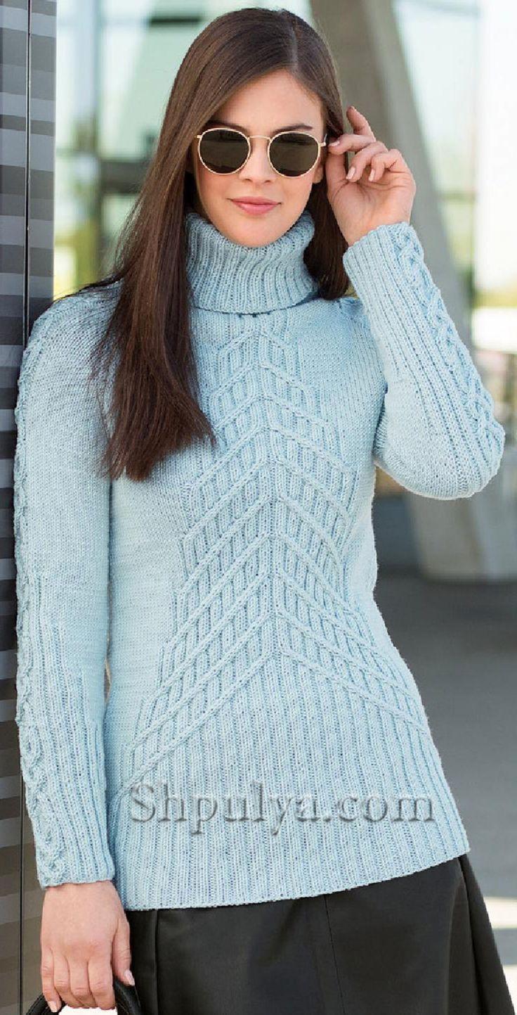 Голубой пуловер с узором из кос, связанный спицами